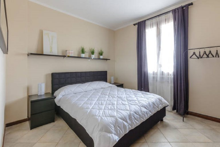 Rosaria's Home in Desenzano and Sirmione - Bedroom Double bed