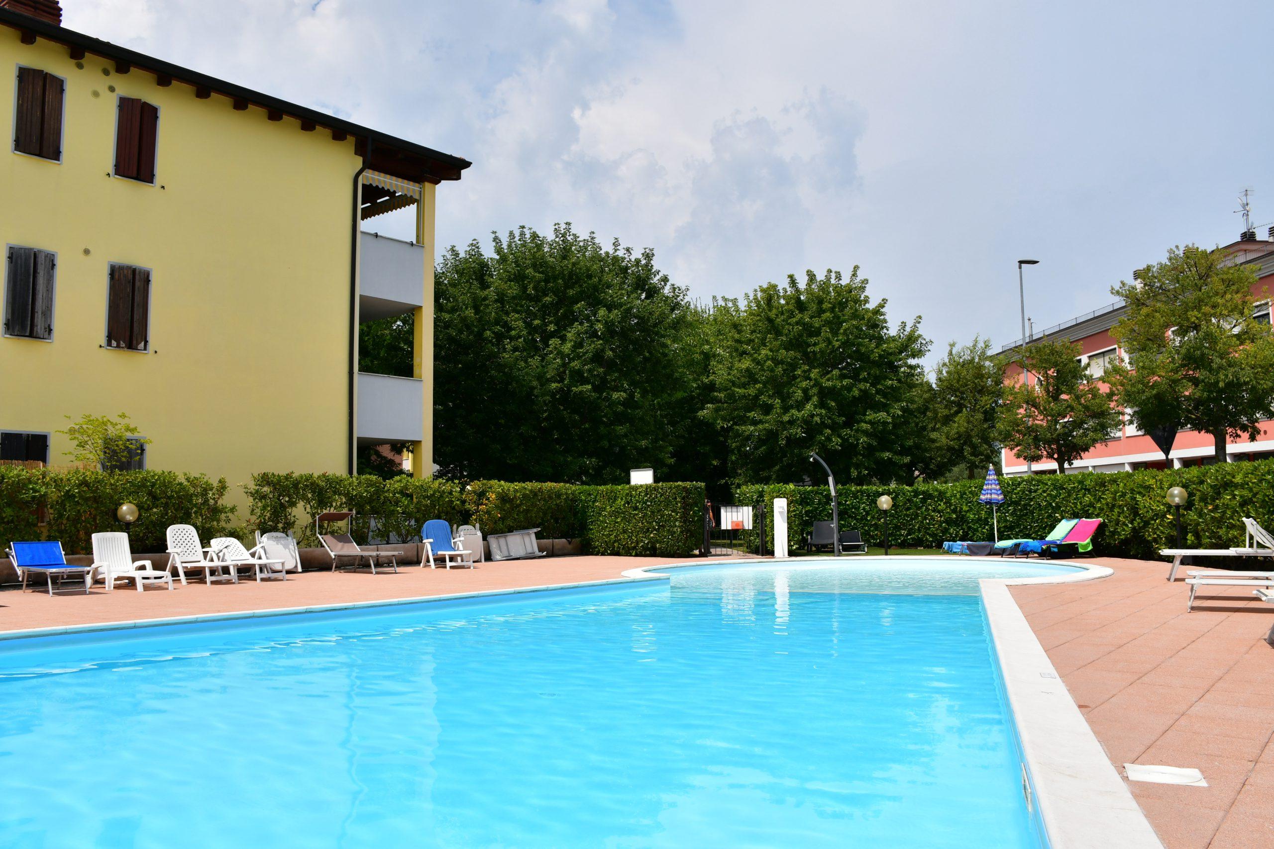 SIMONA'S HOME Apartment in Desenzano and Sirmione - Swimming pool Solarium