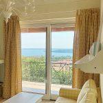 Alice's Nest Villa in Padenghe - First Floor Living Room Lake View